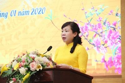 Chị Bùi Thị Ngọc Thúy - Chủ tịch Hội LHPN quận Tây Hồ phát biểu tại hội nghị