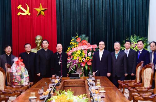 Lãnh đạo thành phố tiếp Tổng Giám mục Tổng giáo phận Hà Nội đến thăm, chúc tết
