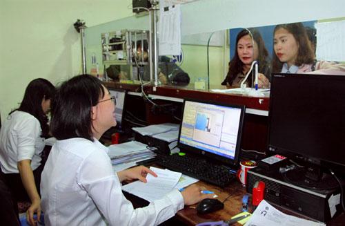 TP Hà Nội yêu cầu các sở, ngành, quận huyện đẩy manhj cung cấp dịch vụ hành chính công trực tuyến đảm bảo chất lượng, thuận tiện cho người dân, doanh nghiệp