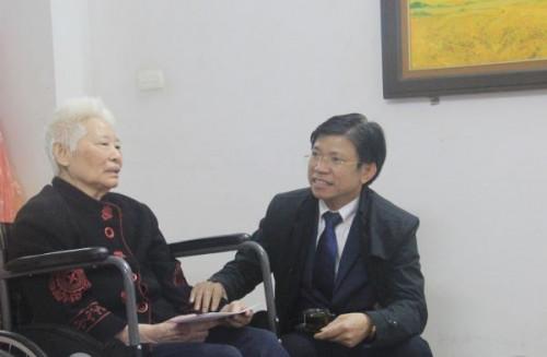 """Giáo sư Hoàng Anh Tuấn nói chuyện """"mùng ba Tết thầy"""" xưa và nay"""