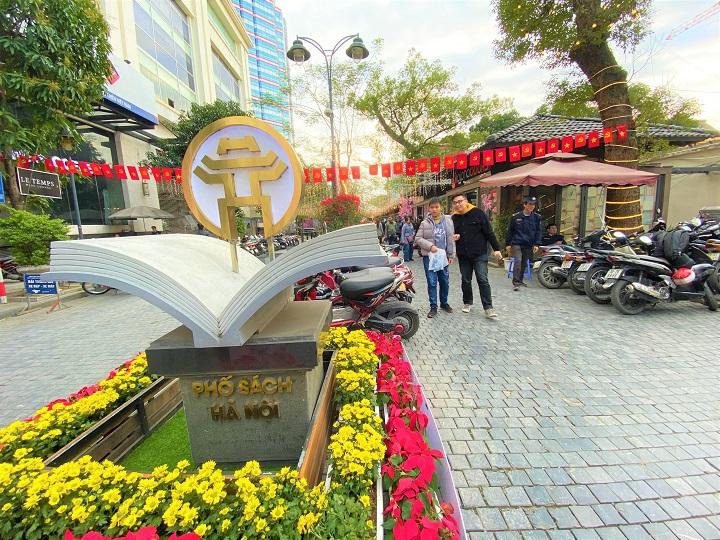 Phố sách Xuân Canh Tý 2020 được tổ chức từ ngày 27/1/2020 đến ngày 3/2/2020 (tức mùng 3 Tết đến mùng 10 Tết) nhằm tạo nên một không gian tri thức hấp dẫn, giàu sắc xuân dành cho nhân dân Thủ đô và du khách.