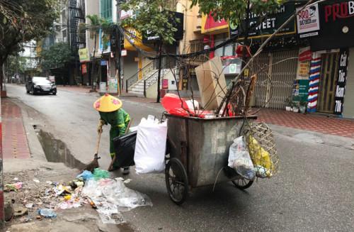 5 ngày Tết, Hà Nội thu dọn, vận chuyển gần 30.000 tấn rác thải