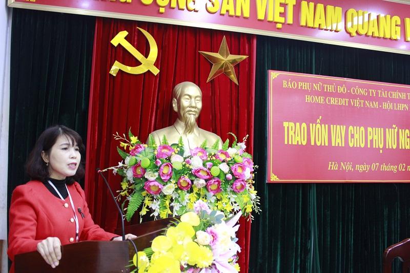 Chị Thạch Thị Hoa- Phó Chủ tịch Hội LHPN huyện Gia Lâm phát biểu tại buổi trao vốn