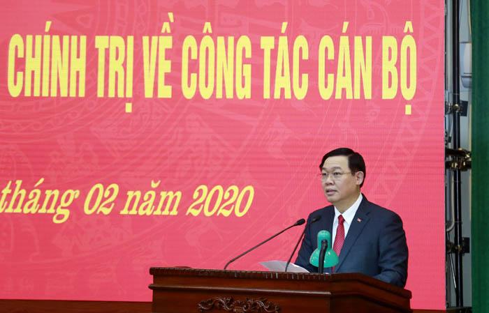 Tân Bí thư Thành uỷ Hà Nội Vương Đình Huệ phát biểu tại hội nghị