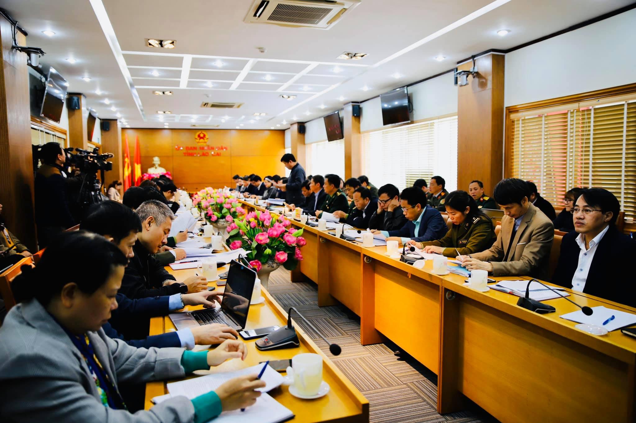 Đoàn công tác làm việc tại trụ sở UBND tỉnh Lào Cai