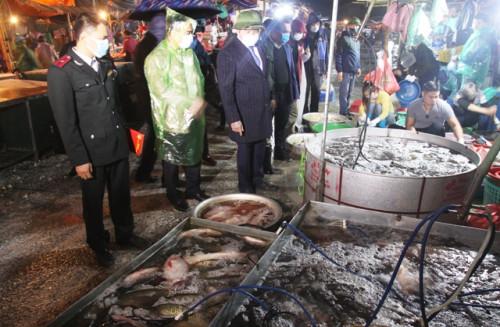 """Nông sản tại chợ đầu mối Minh Khai """"rất khó truy xuất nguồn gốc"""""""
