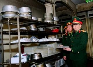 Bộ Tư lệnh Thủ đô kiểm tra vật dụng phục vụ công tác chống dịch