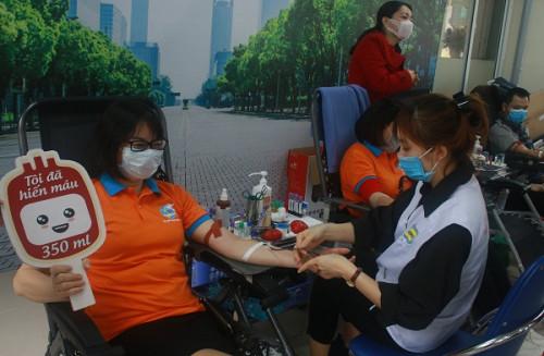 Hiến máu tình nguyện vì cộng đồng
