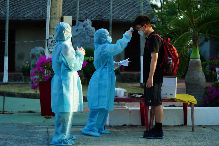 Những người đầu tiên được cách ly theo hình thức có trả phí ở resort Phương Nam, huyện Cần Giờ, TP Hồ Chí Minh