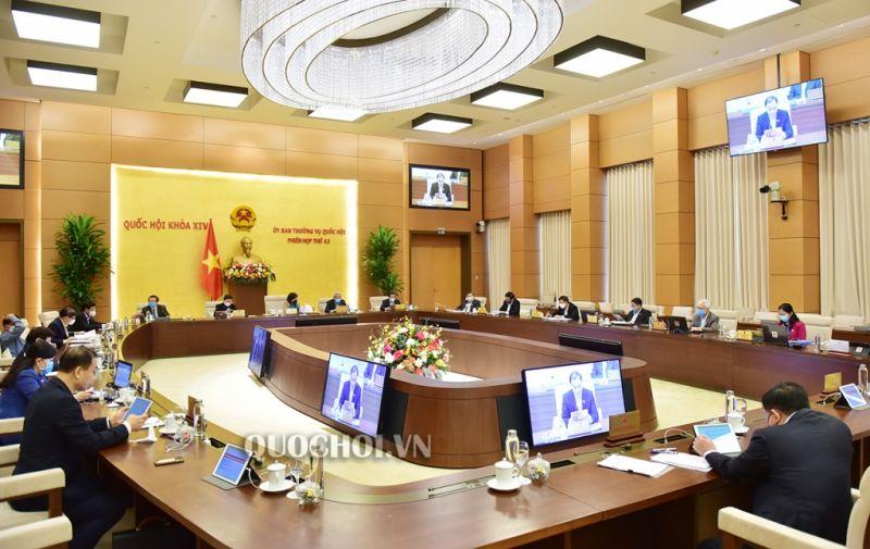 Phiên họp thứ 43 của Ủy ban Thường vụ Quốc hội (ảnh: quochoi.vn)
