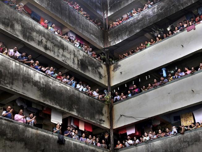 Người dân Ấn Độ TP Mumbai (Ảnh chụp ngày 22-3). Ảnh: REUTERS