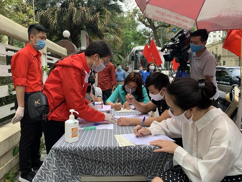 Tuổi trẻ Thủ đô tham gia đăng ký hiếm máu nhân đạo