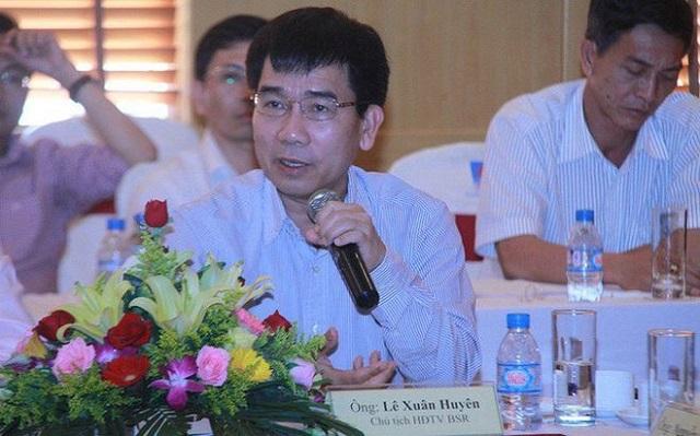 Ông Lê Xuân Huyên trong một hoạt dộng của Công ty Cổ phần Lọc hóa dầu Bình Sơn. (Nguồn: tinnhanhchungkhoan).