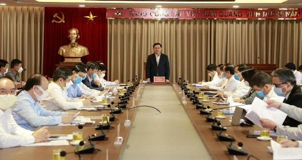 Bí thư Thành ủy Hà Nội Vương Đình Huệ phát biểu tại buổi làm việc. Ảnh: Thành Chun