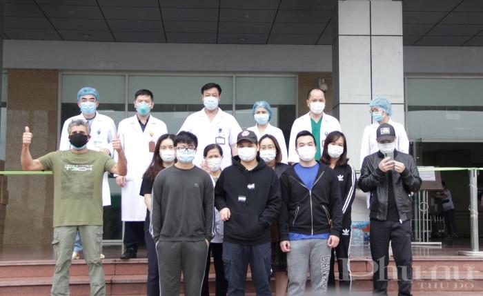11 bệnh nhân điều trị tại BV Nhiệt đới TW cơ sở 2 được công bố khỏi bệnh, chuyển theo dõi tại nhà từ ngày 4/2.