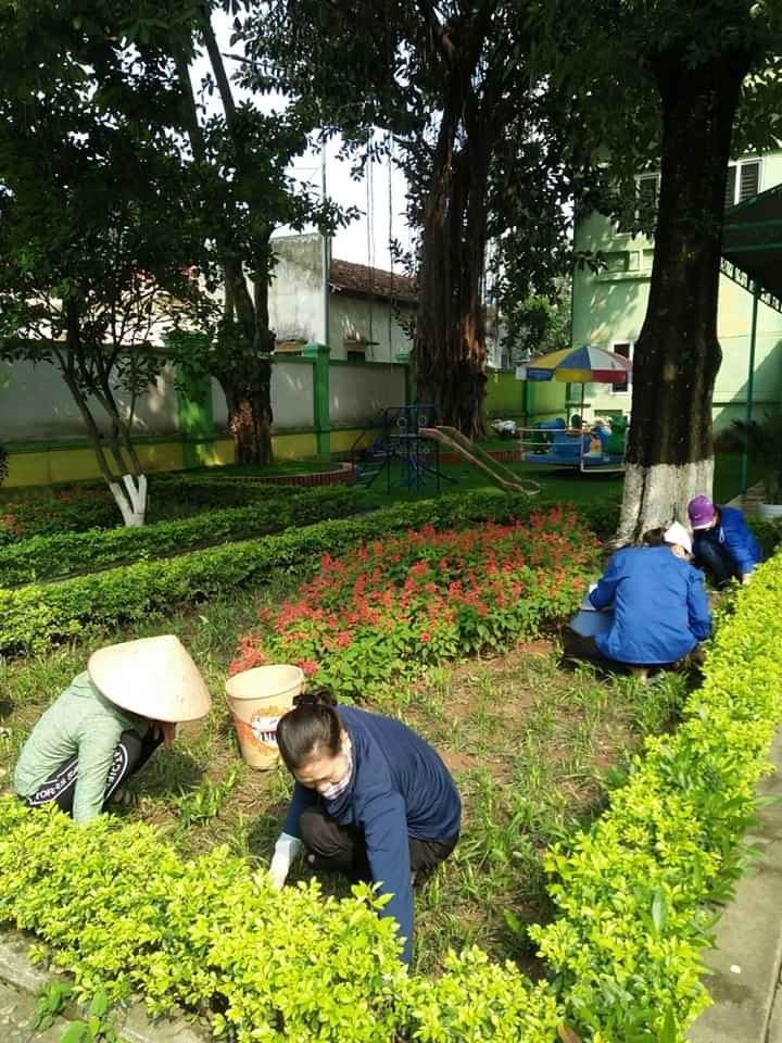 duy trì chăm sóc 105 đoạn đường nở hoa, 24 vườn ươm, giữ gìn môi trường xanh - sạch - đẹp - an toàn, 8 chân rác được xóa bỏ.