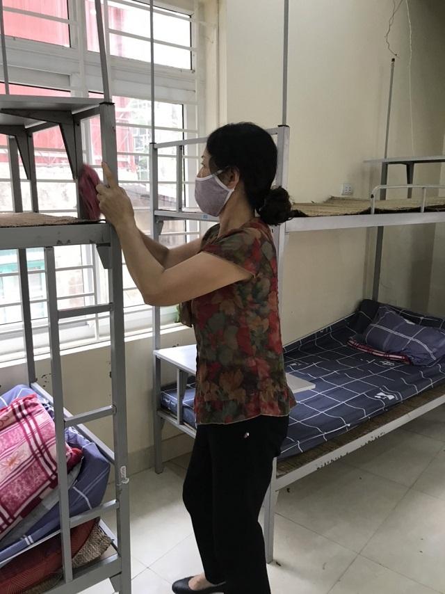 Hội LHPN phường Đồng Tâm, quận Hai Bà Trưng cử cán bộ hội viên tổng vệ sinh nhà sinh hoạt động đồng, sẵn sàng trưng dụng làm nơi cách ly