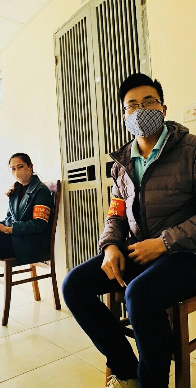 Ngày 01/4 các cấp hội phụ nữ huyện Thanh Trì phối hợp với Ban chỉ đạo phòng chống dịch các cấp tham gia các chốt trực phòng chống dịch Covid - 19