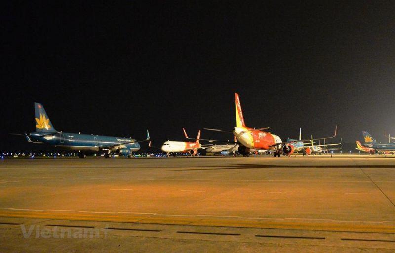 Đội tàu bay Vietnam Airlines với 106 chiếc nhưng có tới 100 máy bay đang phải tạm dừng hoạt động vì dịch COVID-19.