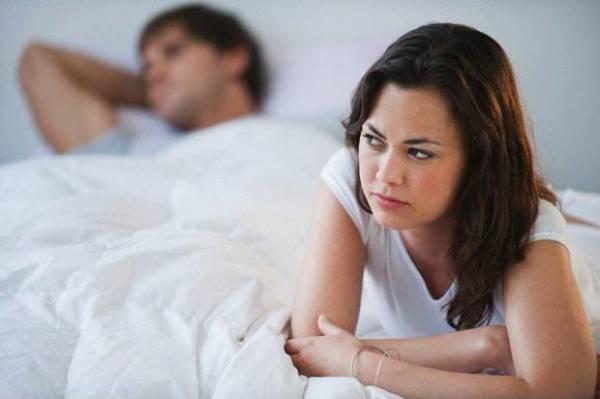 Sở thích chăn gối của chồng trở nên kỳ lạ khiến tôi không khỏi nghi ngờ