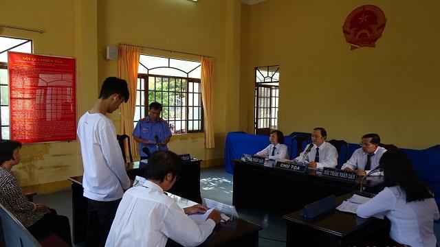 Toàn cảnh phiên tòa theo mô hình phòng xử án thân thiện