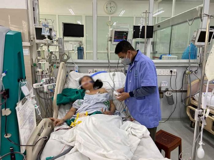 Nữ bệnh nhân hồi phục ngoạn mục sau những nỗ lực không ngừng nghỉ cứu chữa của các bác sĩ BV Bạch Mai.