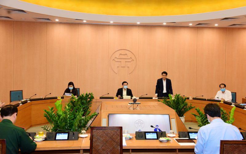 Chủ tịch UBND TP Nguyễn Đức Chung phát biểu tại phiên họp