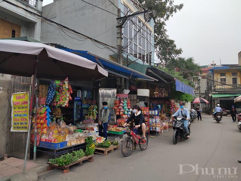 Cán bộ hội viên phụ nữ và nhân dân trong trường hợp tham gia mua, bán tại các chợ truyền thống, chợ dân sinh đảm bảo đúng quy định phòng dịch