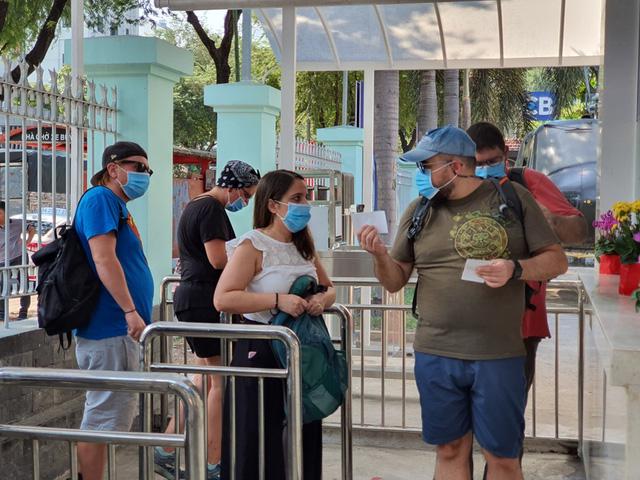Việt Nam sẽ tạo điều kiện cho số khách nước ngoài đang mắc kẹt tại Việt Nam vì dịch Covid-19 được trở về nước.