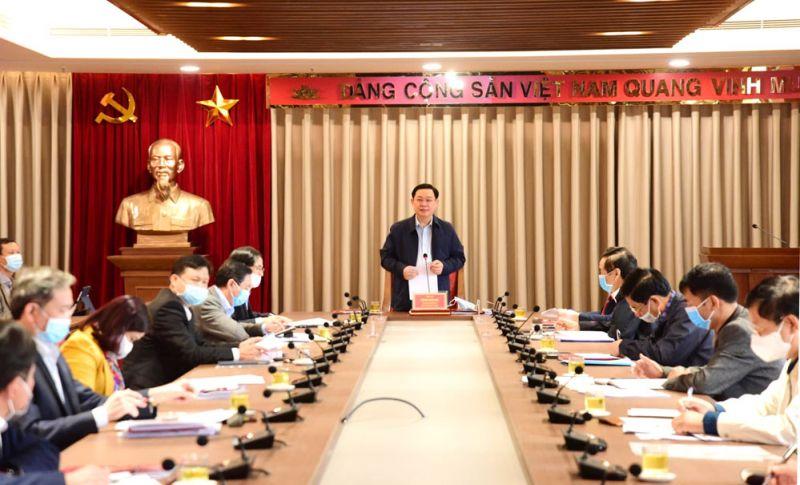Bí thư Thành ủy Hà Nội Vương Đình Huệ chủ trì buổi làm việc với Ban Nội chính Thành ủy.