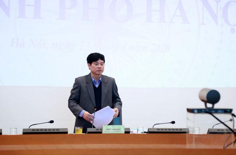 Phó Chủ tịch UBND thành phố Hà Nội Ngô Văn Quý báo cáo về công tác phòng, chống dịch Covid-19 trên địa bàn.
