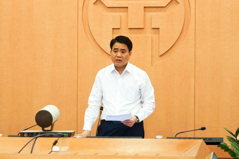 Chủ tịch UBND TP Nguyễn Đức Chung phát biểu kết luận phiên họp
