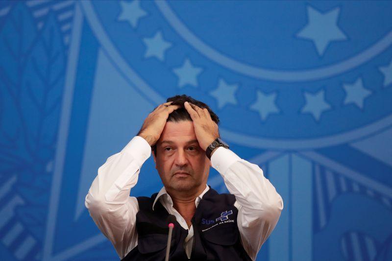 Bộ trưởng Y tế Brazil Mandetta bị cách chức do bất đồng trong phương thức xử lý khủng hoảng Covid-19 với Tổng thống. (Nguồn: Reuters)