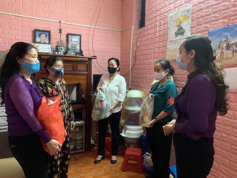 Phát huy thế mạnh của mình, các cấp Hội LHPN quận Đống Đa đã góp phần hỗ trợ cuộc sống khó khăn của hội viên phụ nữ bị ảnh hưởng bởi dịch Covid-19