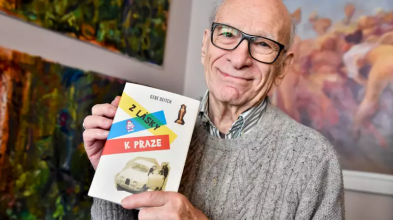 Gene Deitch cùng cuốn hồi ký 'Vì tình yêu Prague' truyền những thông điệp về hòa bình và sự thật.