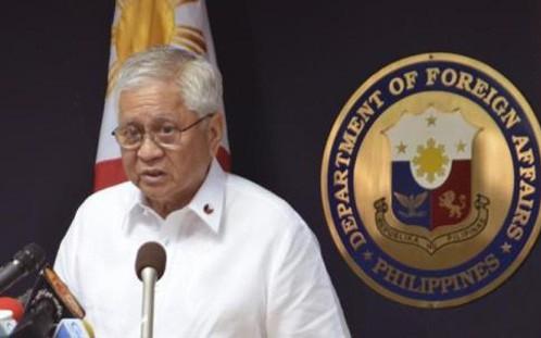 Cựu Ngoại trưởng Philippines, ông Albert del Rosario. Ảnh: Reuters.
