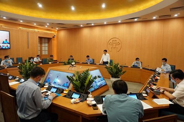 Chủ tịch UBND TP Nguyễn Đức Chung phát biểu kết luận tại Hội nghị trực tuyến BCĐ phòng chống dịch Hà Nội ngày 20/4