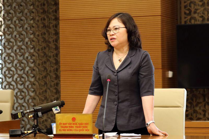 Phó Chủ nhiệm Uỷ ban Văn hoá, Giáo dục, Thanh niên, Thiếu niên và Nhi đồng của Quốc hội Ngô Thị Minh phát biểu tại cuộc họp. Ảnh: VGP/Đình Nam