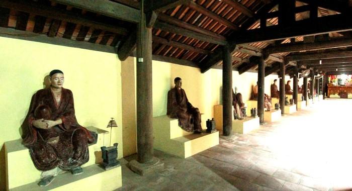 Chùa Bối Khê bị trộm đột nhập ngày 13/3 lấy đi một bức tượng Phật Thích Ca đản sinh bằng đồng màu đen (Ảnh Hồ Hạ)