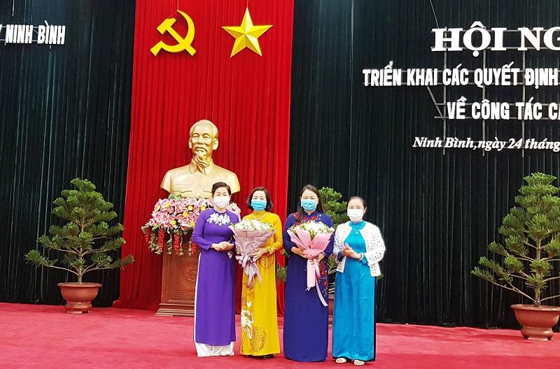 Lãnh đạo Trung ương Hội LHPN Việt Nam chúc mừng tân Phó trưởng Ban tổ chức Trung ương và tân Bí thư Tỉnh ủy Ninh Bình.