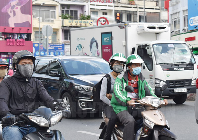 Thành phố Hồ Chí Minh nghiên cứu lập đề án kiểm soát và hạn chế hoạt động vận tải hàng hóa trên đường bộ vào ban ngày trên địa bàn.