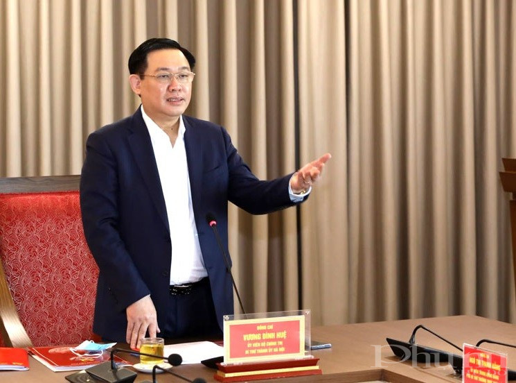 Bí Thư Thành uỷ Vương Đình Huệ phát biểu chỉ đạo tại hội nghị.