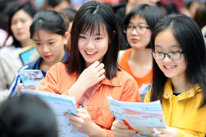 Sinh viên tìm kiếm cơ hội việc làm