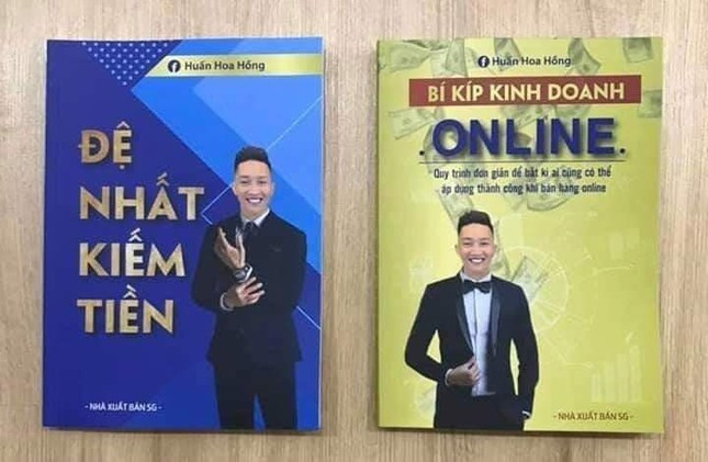 2 cuốn sách gây xôn xao của Huấn