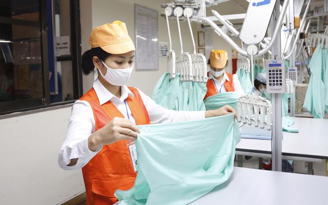 Lao động ngành Dệt may có thêm nhiều cơ hội việc làm mới khi Hiệp định EVFTA có hiệu lực. Ảnh: Nhật Nam