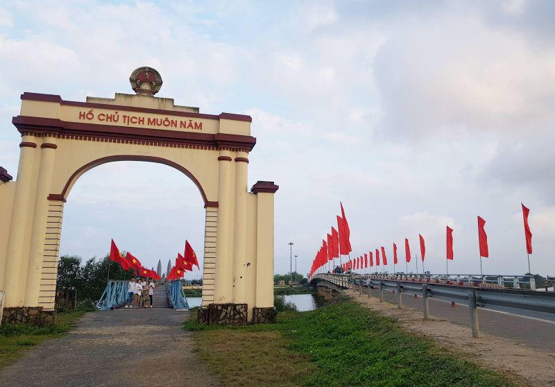 Di tích đôi bờ Hiền Lương-Bến Hải, giới tuyến từng chia cắt đất nước suốt 21 năm. Ảnh: VGP/Minh Trang
