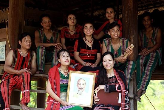 Một hoạt động kỷ niệm ngày sinh nhật Bác tại Làng văn hóa các dân tộc Việt Nam.
