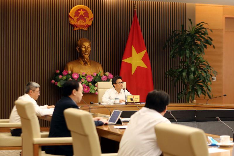 Phó Thủ tướng Vũ Đức Đam phát biểu tại cuộc họp về đề án thí diểm tự chủ Bệnh viện K. Ảnh: VGP/Đình Nam