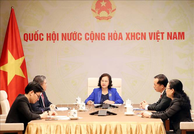 Chủ tịch Quốc hội Nguyễn Thị Kim Ngân điện đàm với Chủ tịch Quốc hội nước Cộng hòa dân chủ nhân dân Lào Pany Yathotou. Ảnh: Trọng Đức/TTXVN