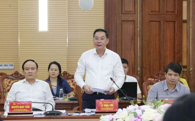 Phó Chủ tịch UBND thành phố Hà Nội Lê Hồng Sơn phát biểu tại buổi làm việc. Ảnh: Viết Thành